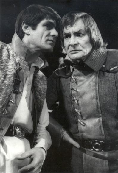 """Radu Beligan şi George Motoi în """"Richard al III-lea"""" (1976)"""